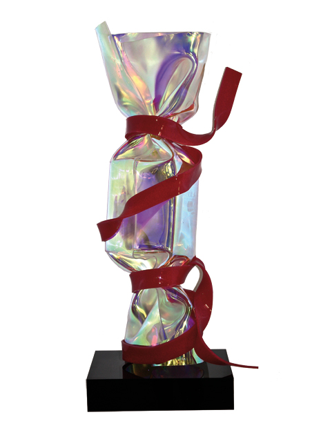 Bonbon ADN irisé Sculpture Plexiglas 80 cm sur socle noir en plexiglas 2013 - Pièce unique © ADAGP Laurence JENKELL