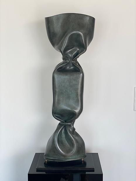 « BONBON BRONZE VERT ANGLAIS » Sculpture en bronze 80 cm sur socle bronze 21 x 32 x 1 cm Edition 8 + 4 E.A. N° 4/8 JENK ©ADAGP, Paris 2020